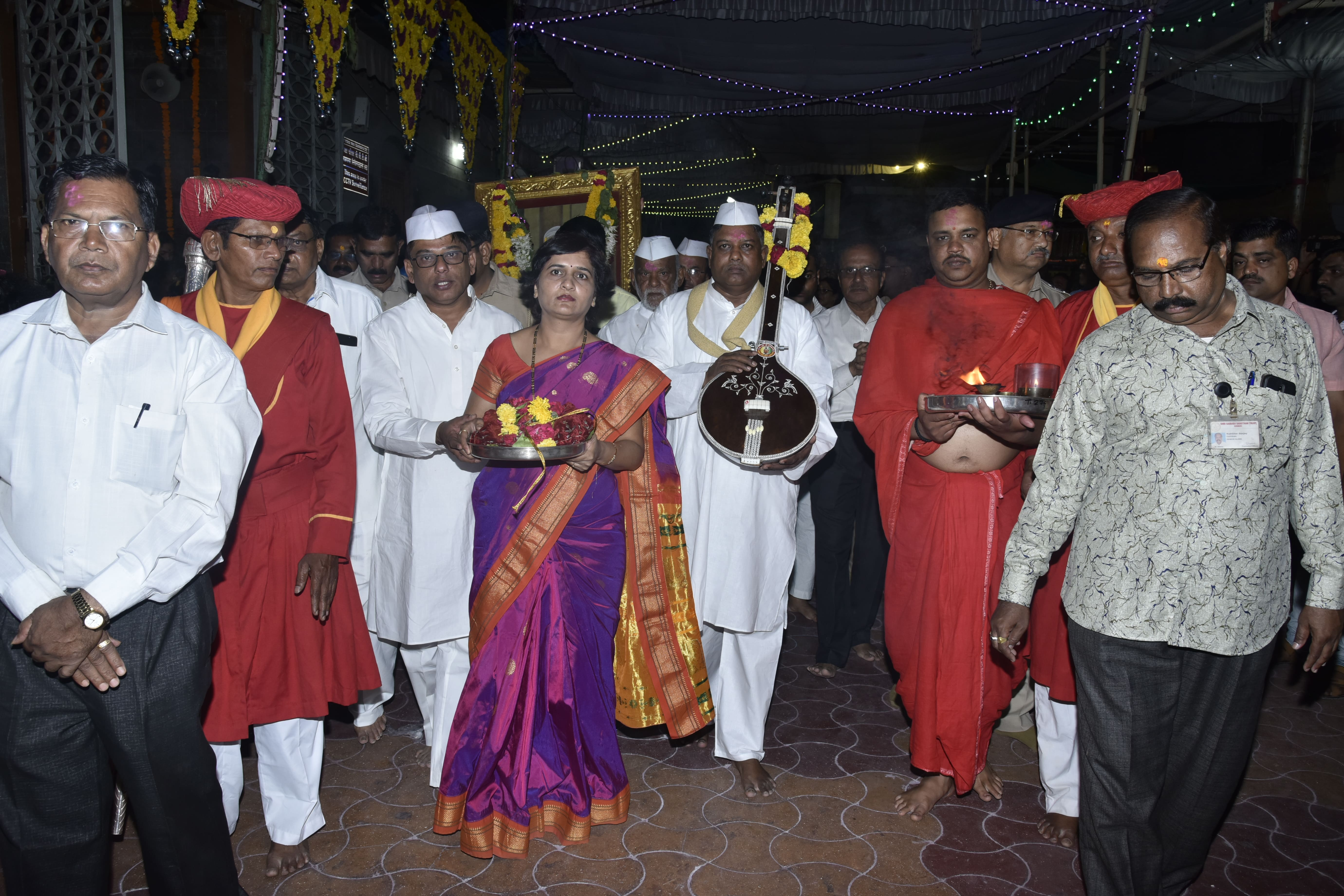 Sai Baba Photo Gallery - Shri Saibaba Sansthan Trust, Shirdi